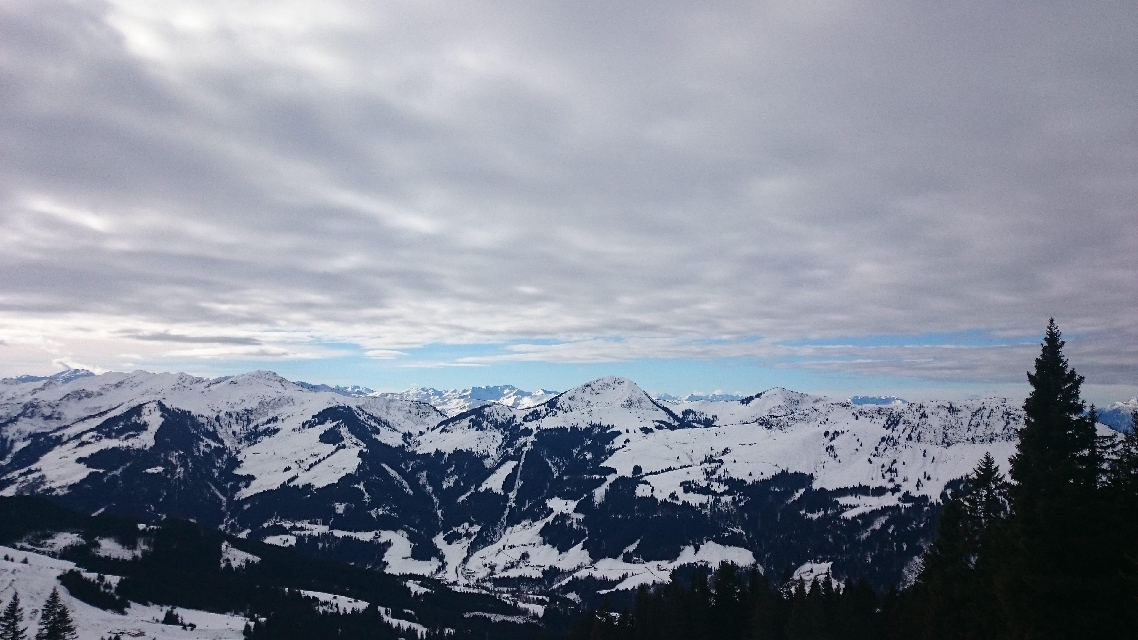 Alphen besneeuwde toppen